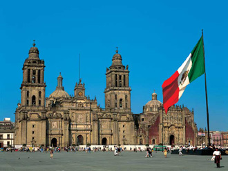 4人組の強盗がバス襲撃 → 乗客が全員射殺 → 路上に放置して目的地まで通常運行…メキシコ