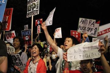 朝日新聞「選挙結果など無視してデモ隊の声を優先しろ」