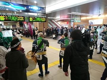 新青森駅が北海道新幹線開業イベント開催 → 乗客が誰も降りてこなくて悲惨な状況に