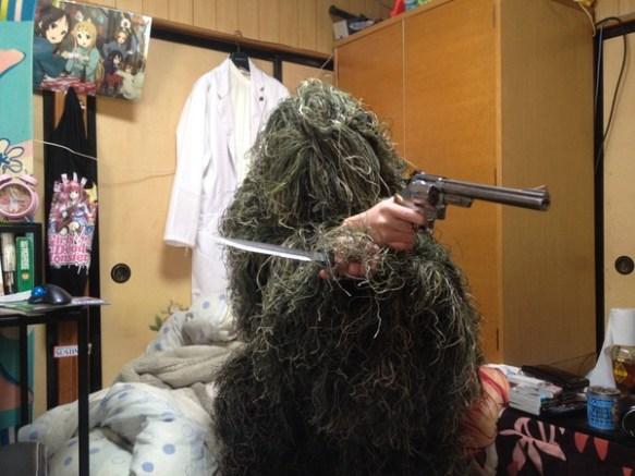 【画像】ギリースーツ買ったったったww