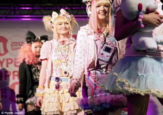 【画像】日本の「カワイイ」文化がイギリスで大人気wwwwwwww