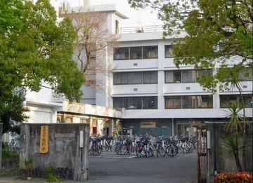 京都大学の熊野寮を家宅捜索へ 銀座のデモで機動隊員に暴行、中核派3人が逮捕された事件で