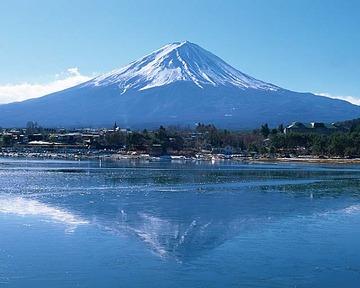 【富士山】下山道を登っていた女性に落石が直撃、頭の骨を折る重傷