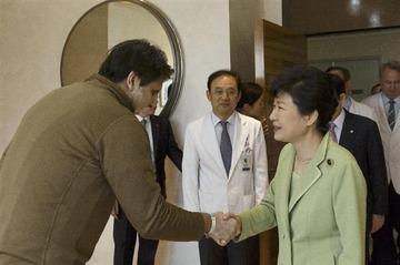 パククネ「大使の毅然とした姿に韓米の国民は感動し、むしろ韓米関係を近づける機会になった」