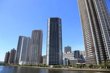 タワーマンション、最上階に住むボスと下階住民の格差が存在