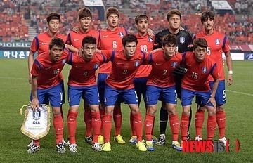 サッカー韓国代表がAFC年間フェアプレー賞を受賞! マナー、サポーター、試合内容などが評価されるwwwww