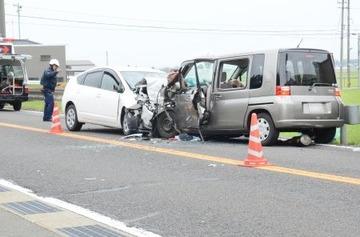 居眠り運転の車がセンターラインをはみ出して対向車と正面衝突 → 福井地裁「クラクションを鳴らさなかった対向車にも責任がある。4000万円を賠償しろ」