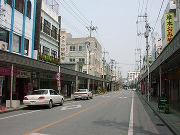 【沖縄】公共事業激減、中心部は超シャッター街…翁長雄志氏当選を喜べない「名護市」の現状