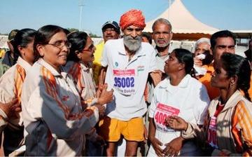 自称116歳のインド人、アジアマスターズ陸上にエントリーして大会関係者が困惑