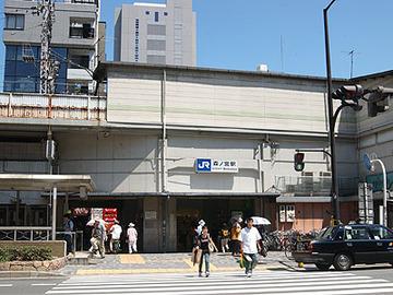 【大阪】共産党の選挙カー前で女性が倒れる → そのまま演説を続けて救助活動を妨害