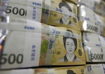 韓国「そろそろ通貨スワップ復活してやってもいいニダ」