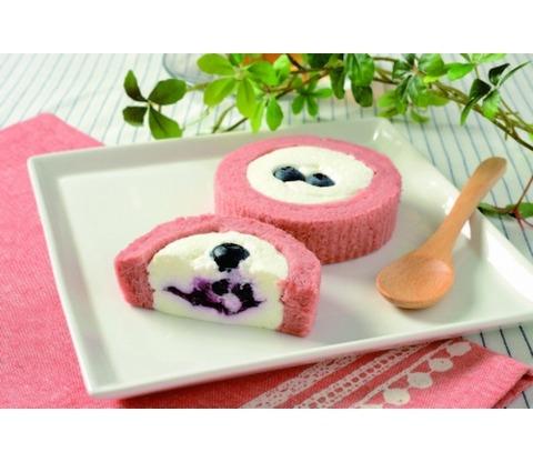 ローソンから「プレミアム ブルーベリーとチーズのロールケーキ」が登場!