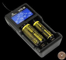 【要注意】走行中の列車の車内で乗客のリチウムイオン電池が使用された充電器が発火するなどリチウムイオン電池による発火が相次いでいる模様