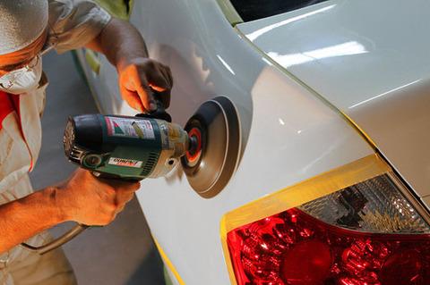 【すげぇ】愛車をガチで磨きまくった結果wwwwwwww もはや光学迷彩じゃねーかwwwww