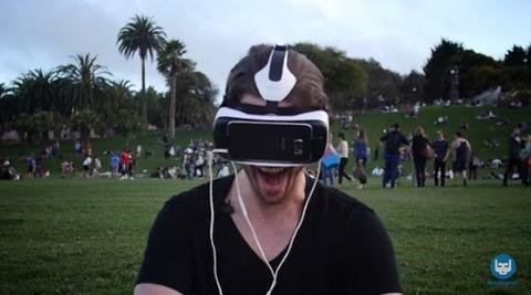 【動画あり】VRヘッドセットでポルノを見たときの外人の反応をご覧くださいwwwwwww