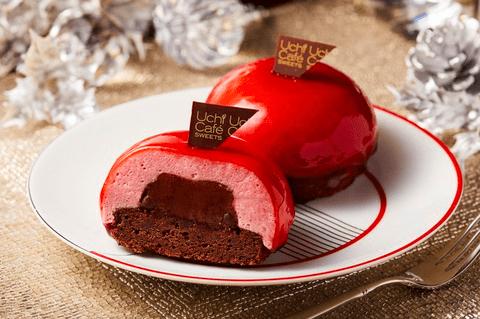 ローソンからベリーの甘酸っぱさとチョコの苦みが楽しめる「赤いクリスマスケーキ(ベリームース&チョコレートガナッシュ)」が登場!
