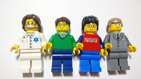 レゴの人形の髪型みたいなヘルメット「レゴヘアヘルメット」が話題wwwwwwww