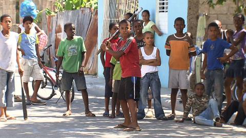 【!?】ドミニカで12歳になると少女が自然に性転換する奇病発生