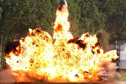 福島県郡山市の住宅街でガス爆発とみられる爆発が発生し、民家1軒が半壊、2人が搬送される・・