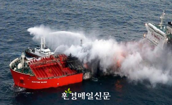韓国のタンカーが爆発、韓国が日本に救助要請するも、日本は拒否