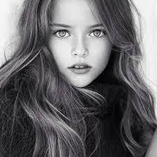 これが世界で一番美しいと言われるロシアの美少女