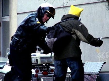 警察官になったったったったwwwwww
