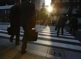 完全失業者が4%に低下、無職が減っていることが判明