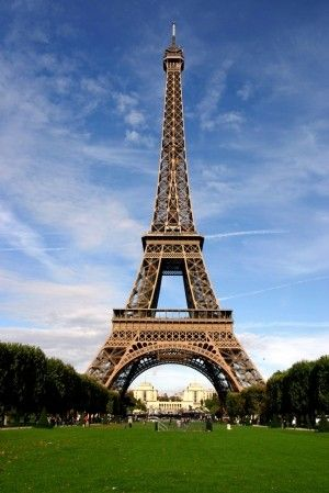 フランス 全て正社員 週35時間労働 最低賃金月19万でも手厚い社会保障 6年働けば2年失業保険