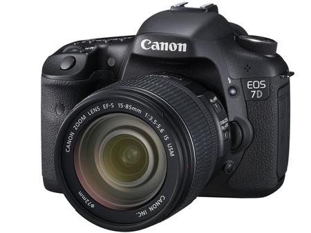 カメラの販売やってるけど質問ある?