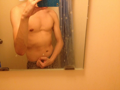 上半身の筋肉をつける方法教えてくれ。懸垂はやってるんだが全然筋肉がつかない