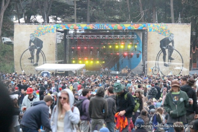 Crowd at Sutro Stage @ Outside Lands 2012 || Photo © Joseph Smith