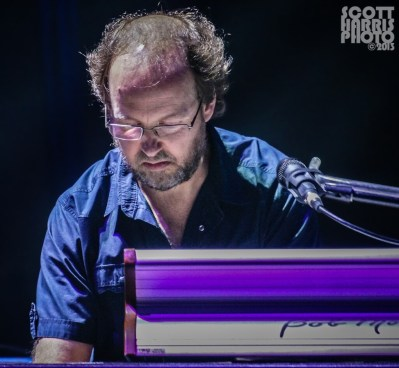 Scott_Harris_Phish_2013.10.31_1024px_11
