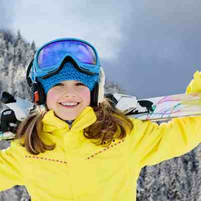 7 ways to get free or cheap ski lift tickets