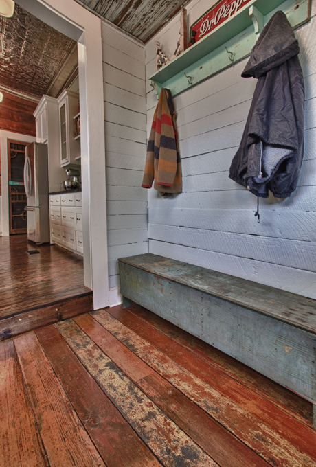 Living Vintage - antique bench in mudroom