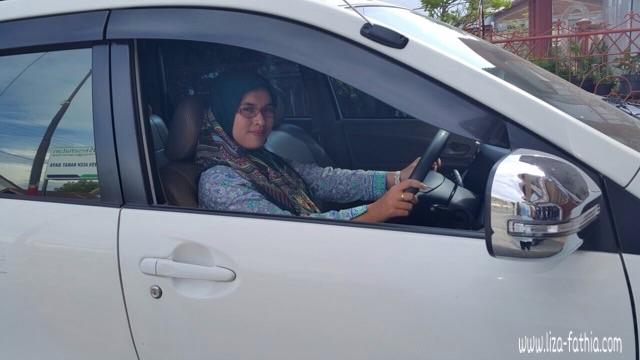 mobil pribadi
