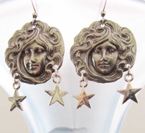 Medium Of Art Nouveau Jewelry