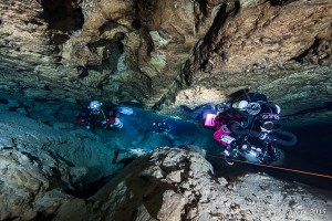 Three rebreathers in Tank Cave