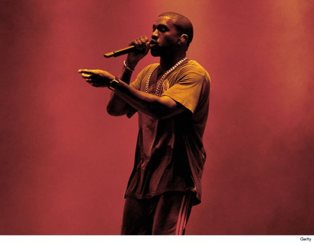 1004-kanye-west-performing-GETTY-01