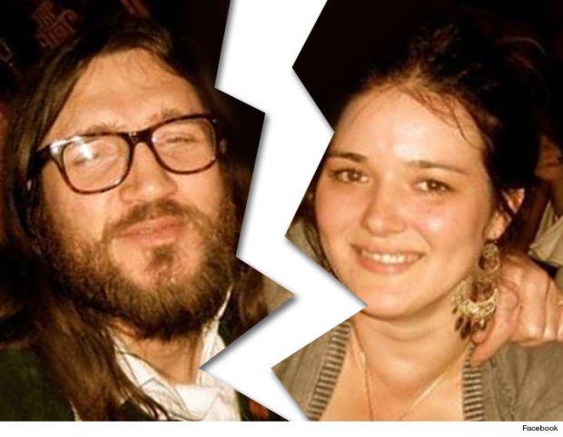 1007-john-frusciante-nicole-turley-facebook-02