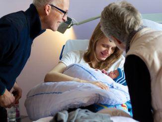 abuelos dia del parto