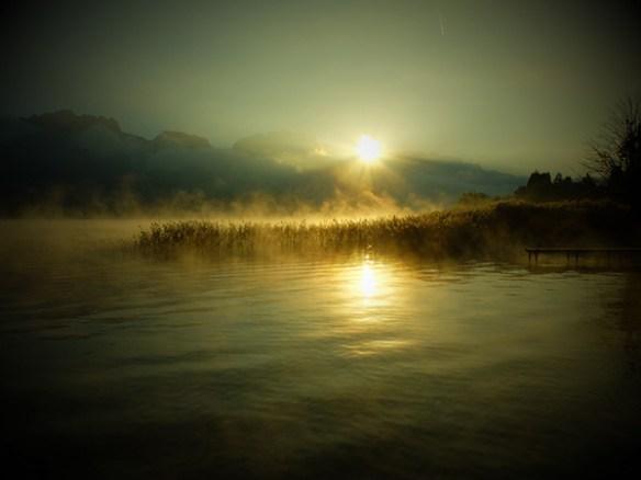bel automne sur le lac d'Annecy