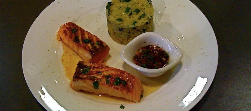 Filet de saumon caramélisé au miel