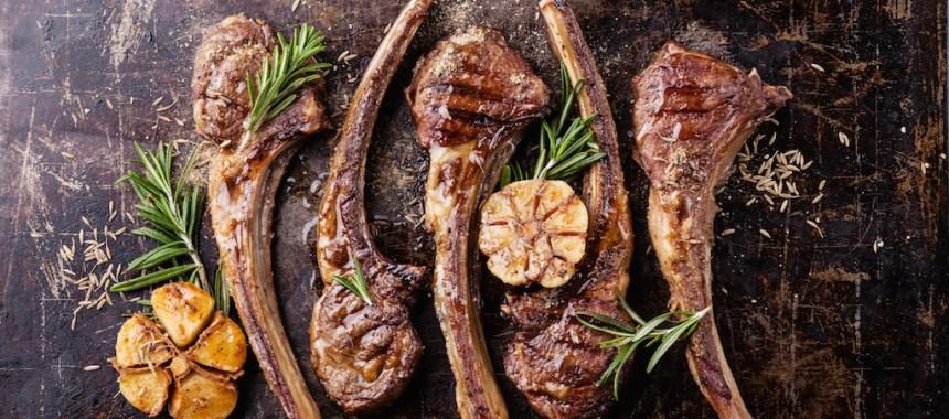7 recettes et manières de cuisiner l'agneau (de Pâques)