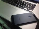 【iPhone】なぜ、気付かないのか?未来のジェスチャーのヒントは、意外にもiPhoneのカタチに隠されているかもしれない