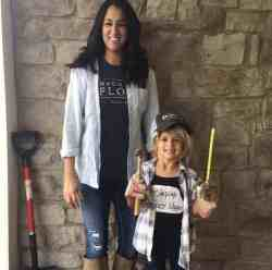 Cool Joanna Halloween Costumes Adults Moms Moms Kids Family Halloween Costumes Joanna Gaines Kids Clos An Easy Halloween Costume