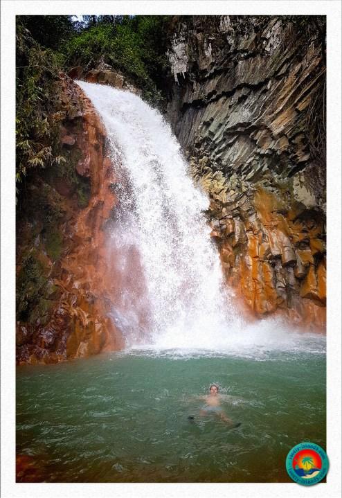 Schwimmen unterm Pulangbato Fall