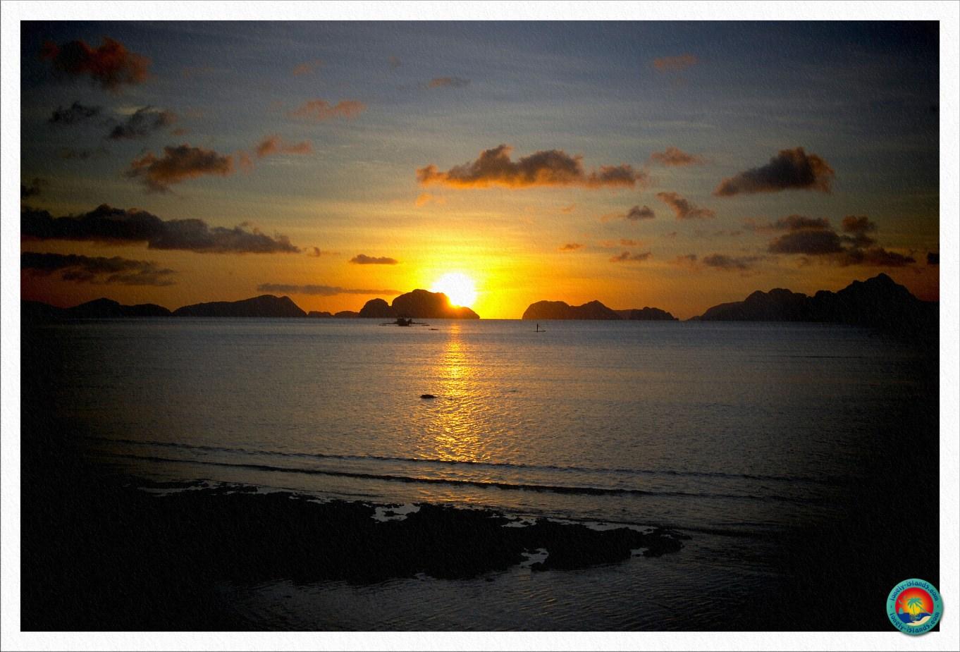 Sonnenuntergang vom Corong Corong Beach in El Nido