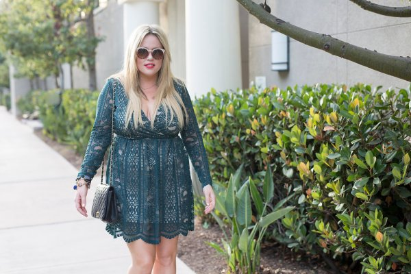Emerald Holiday Dress xx Target Style , target, target style, emerald dress, holiday dress, holiday ootd, green ootd, sparkle heels, sparkle for the holiday, holiday fashion, holiday style