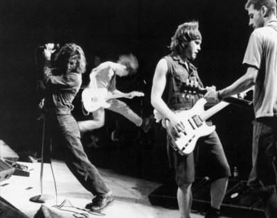 Pearl Jam | loony radio