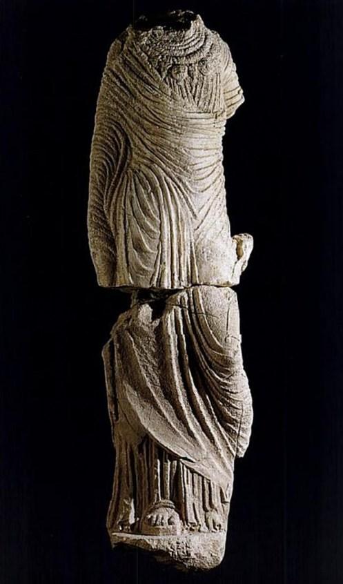 Tarquinia - Estatua femenina